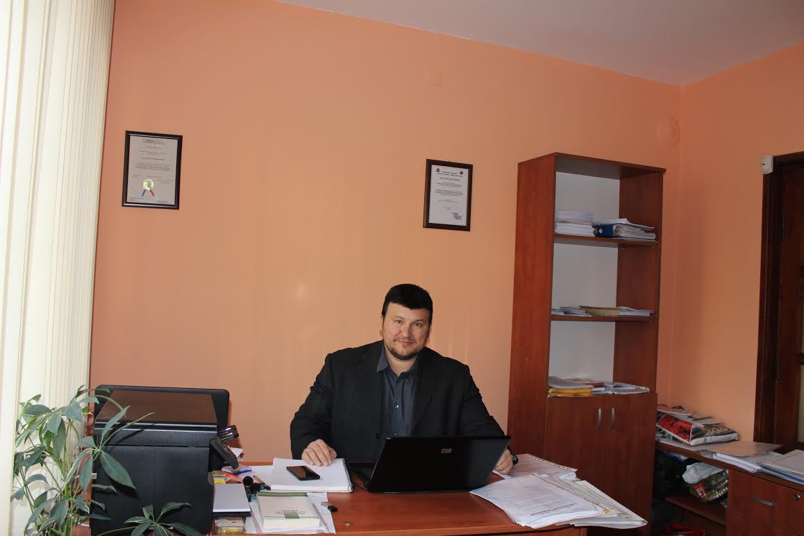 Кой е адвокат Светлозар николов